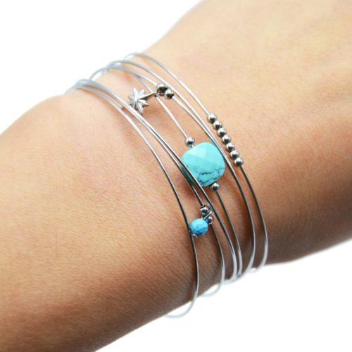 Bracelet-Semainier-Multi-Joncs-Acier-Argente-avec-Billes-Pierre-Turquoise-et-Etoile-Polaire
