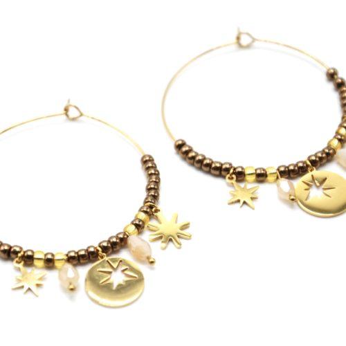 Boucles-dOreilles-Creoles-Acier-Dore-avec-Medaille-Etoile-Soleil-et-Perles-Taupes