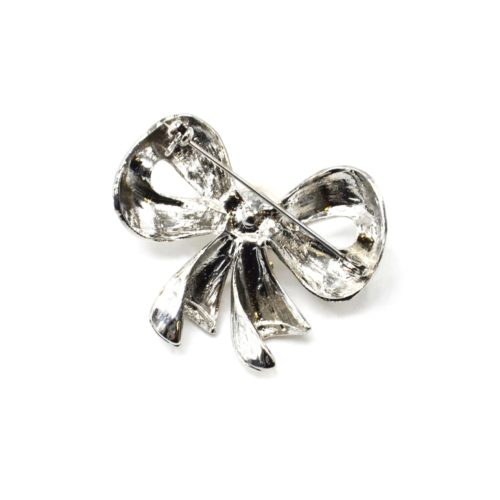 Broche-Epingle-Noeud-Relief-Metal-Strass-Argente-avec-Perle-Ecru