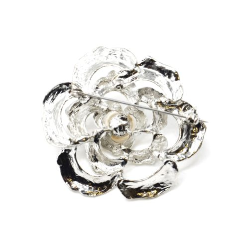 Broche-Epingle-Fleur-Ajouree-Metal-Strass-Argente-avec-Perle-Ecru