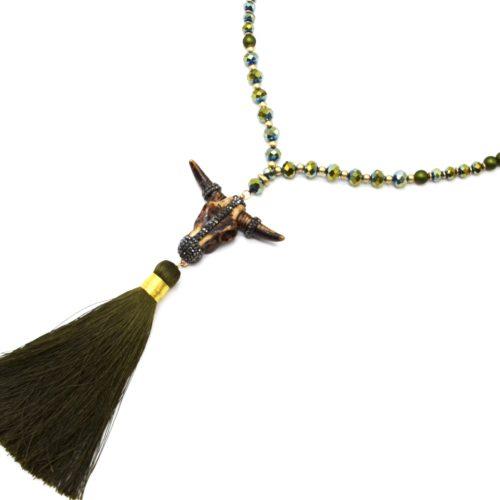 Sautoir-Collier-Perles-Resine-et-Brillantes-avec-Tete-Buffle-Strass-et-Pompon-Kaki