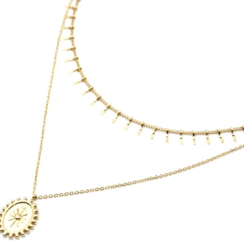 Collier-Double-Chaines-Pampilles-Carreaux-et-Medaille-Martelee-Soleil-Acier-Dore