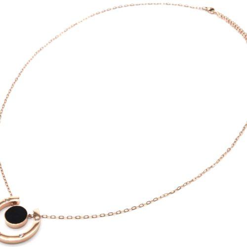 Sautoir-Collier-Pendentif-Fer-a-Cheval-Acier-Or-Rose-avec-Strass-et-Cercle-Resine-Noire