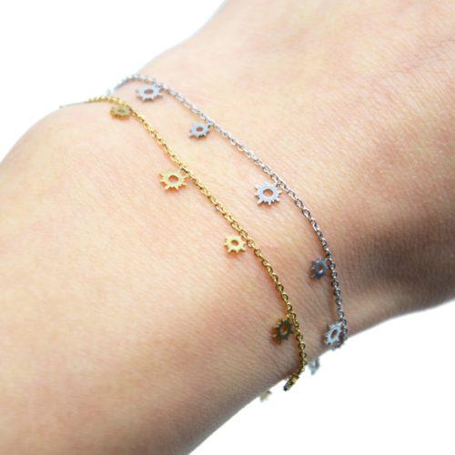 Bracelet-Fine-Chaine-avec-Mini-Pampilles-Soleils-Ajoures-Acier