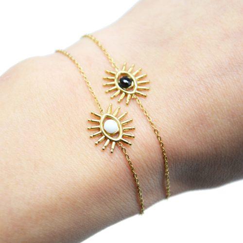 Bracelet-Fine-Chaine-avec-Oeil-Cils-Acier-Dore-et-Pierre