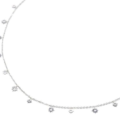 Collier-Ras-du-Cou-avec-Mini-Pampilles-Soleils-Ajoures-Acier-Argente