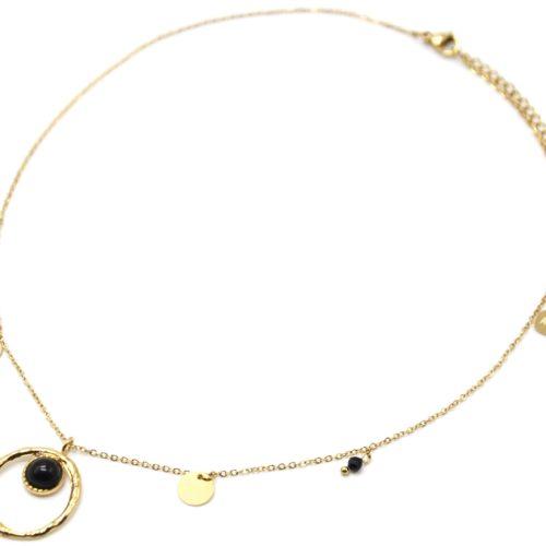 Collier-Pendentif-Cercle-Martele-Acier-Dore-Pierre-Noire-Pampilles-et-Perles