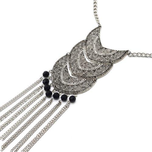 Collier-Pendentif-Formes-Motif-Ethnique-Metal-Argente-Perles-Noires-et-Chaines