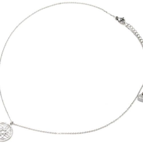 Collier-Pendentif-Cercle-Ajoure-Motif-Rosace-Acier-Argente