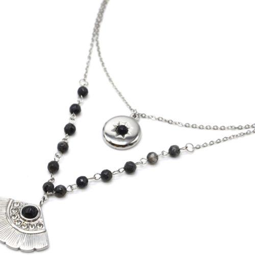 Collier-Double-Chaines-Acier-Argente-avec-Pierres-Noires-Medaille-et-Eventail-Strass
