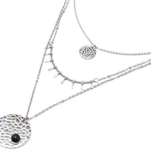 Collier-Triple-Chaines-Acier-Argente-avec-Pampilles-et-Medailles-Ecailles-Pierre-Noire
