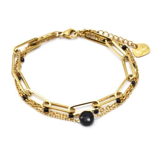 Bracelet-Triple-Chaines-avec-Maillons-Acier-Dore-Mini-Perles-Email-et-Pierre-Noire