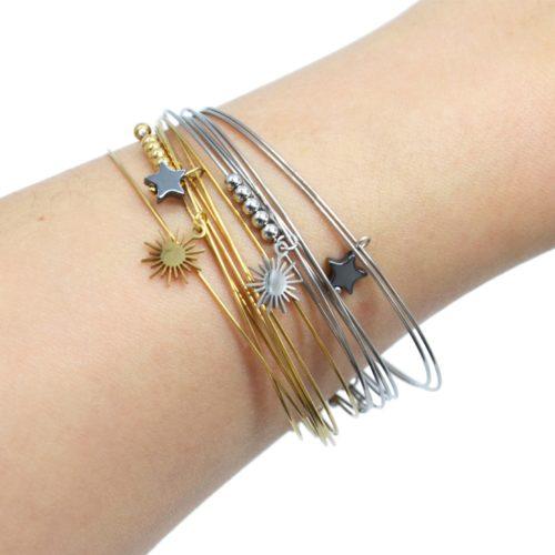 Bracelet-Semainier-Multi-Joncs-Acier-avec-Billes-Soleil-et-Perle-Etoile-Grise