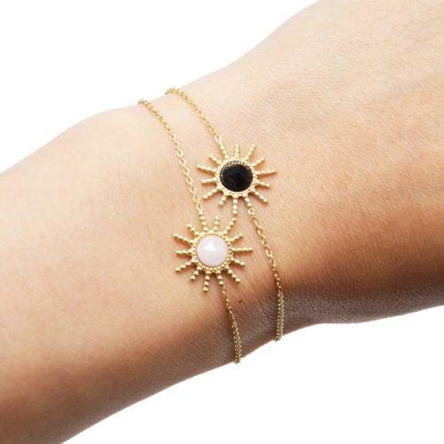 Bracelet-Chaine-avec-Soleil-Points-Acier-Dore-et-Pierre