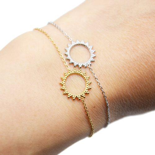 Bracelet-Fine-Chaine-avec-Soleil-Contour-Points-Acier