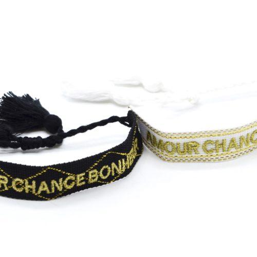 Bracelet-Manchette-Broderie-Amour-Chance-Bonheur-Dore-et-Pompons