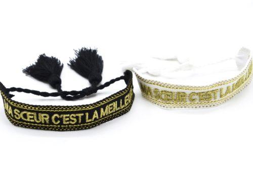 Bracelet-Manchette-Tissee-Ma-Soeur-C-est-La-Meilleure-Dore-avec-Pompons