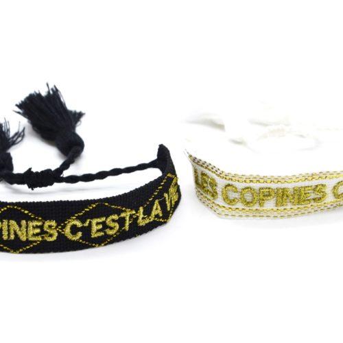 Bracelet-Manchette-Broderie-Les-Copines-Cest-La-Vie-Dore-et-Pompons