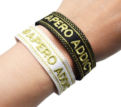 Bracelet-Manchette-Broderie-Apero-Addict-Dore-et-Pompons