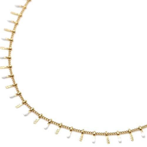 Collier-Ras-du-Cou-avec-Pampilles-Relief-Carreaux-Acier-Dore-et-Perles-Email-Blanc
