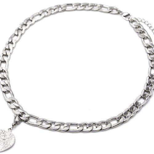 Collier-Chaine-Maillons-Plats-avec-Charm-Medaille-Martelee-Soleil-Acier-Argente