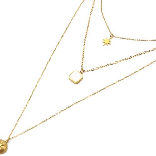 Collier-Triple-Chaines-avec-Etoile-Polaire-Carre-Nacre-et-Medaille-Bombee-Acier-Dore