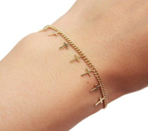 Bracelet-Chaine-Maillons-Fins-avec-Pampilles-Croix-Acier-Dore