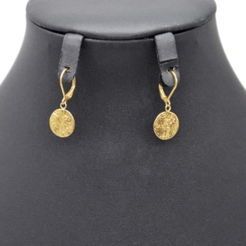 Boucles-dOreilles-Pendantes-avec-Medaille-Martelee-Acier-Dore