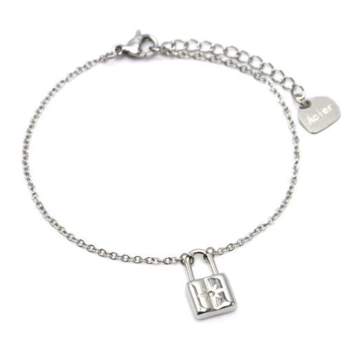 Bracelet-Fine-Chaine-avec-Pampille-Cadenas-Etoile-Acier-Argente