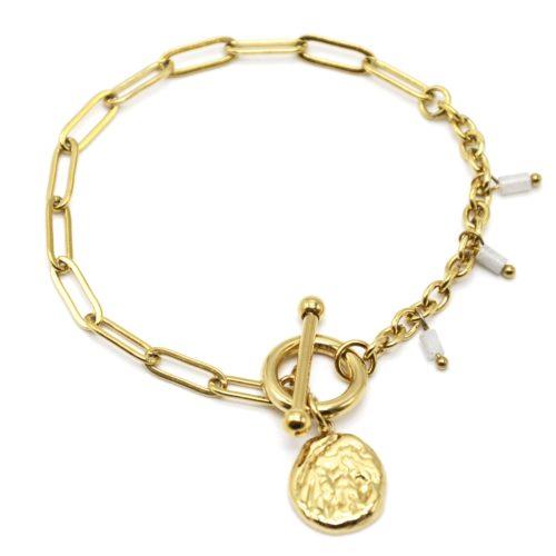 Bracelet-Chaine-Maillons-Mixtes-Cercle-et-Barre-Charm-Martele-Acier-Dore-et-Perles-Blanches