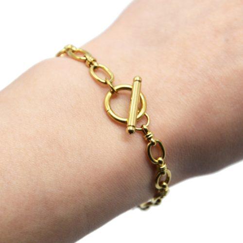 Bracelet-Chaine-Maillons-Larges-avec-Fermoir-Cercle-et-Barre-Acier-Dore
