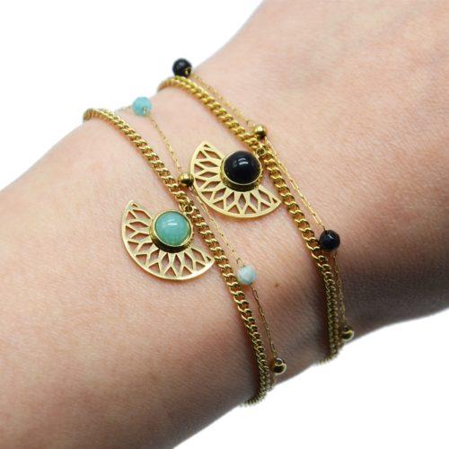 Bracelet-Double-Chaines-Perles-Billes-avec-Demi-Rosace-Acier-Dore-et-Pierre
