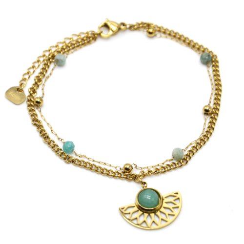 Bracelet-Double-Chaines-Perles-Billes-avec-Demi-Rosace-Acier-Dore-et-Pierre-Verte