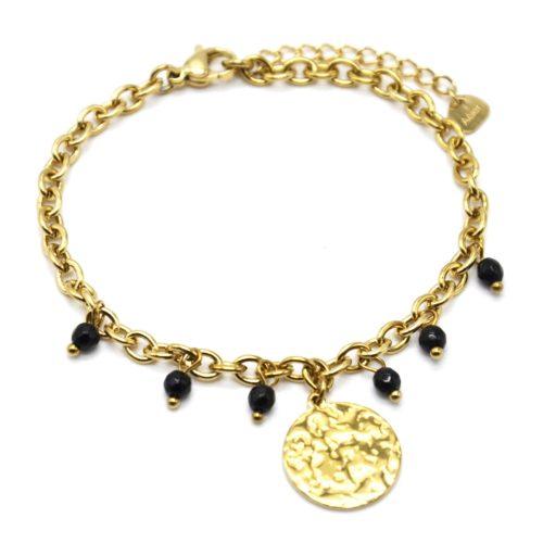 Bracelet-Chaine-Maillons-avec-Medaille-Martelee-Acier-Dore-et-Pierres-Noires