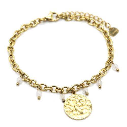 Bracelet-Chaine-Maillons-avec-Medaille-Martelee-Acier-Dore-et-Pierres-Blanches