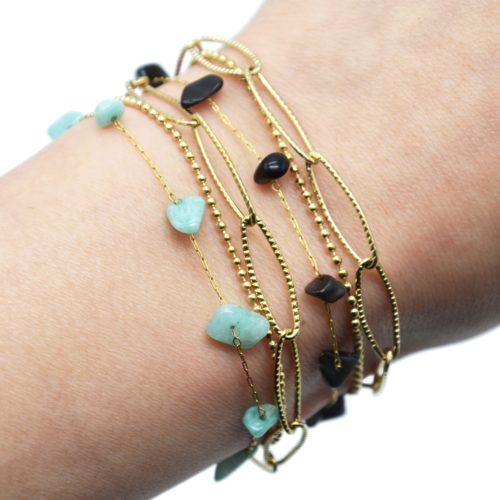 Bracelet-Triple-Chaines-Maillons-Larges-Billes-Acier-Dore-et-Pierres
