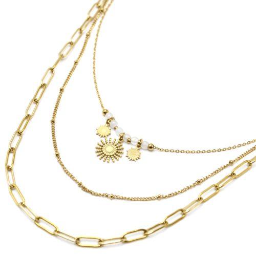 Collier-Triple-Chaines-Maillons-Billes-Soleils-Acier-Dore-et-Pierres-Blanches