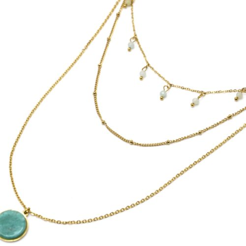 Collier-Triple-Chaines-Acier-Dore-avec-Perles-et-Pierre-Ronde-Verte