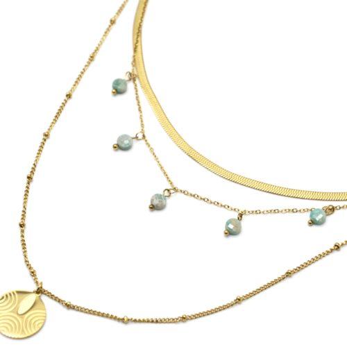 Collier-Triple-Chaines-Billes-Serpentine-avec-Medaille-Acier-Dore-et-Pierres-Vertes