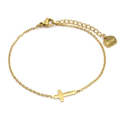 Bracelet-Fine-Chaine-avec-Charm-Croix-Acier-Dore