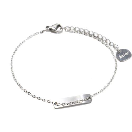 Bracelet-Fine-Chaine-avec-Medaille-Rectangle-Acier-Argente