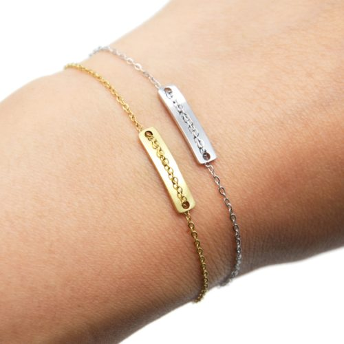 Bracelet-Fine-Chaine-avec-Medaille-Rectangle-Acier