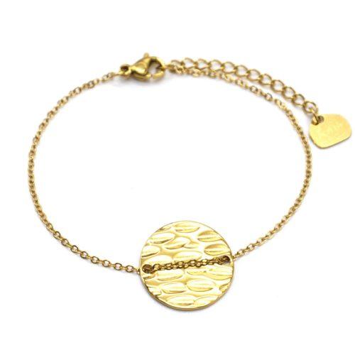Bracelet-Fine-Chaine-avec-Medaille-Ronde-Martelee-Acier-Dore