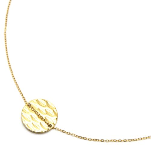 Collier-Fine-Chaine-Pendentif-Medaille-Ronde-Martelee-Acier-Dore