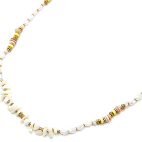 Sautoir-Collier-Perles-Blanches-avec-Coquillages-et-Pierres-Ecru