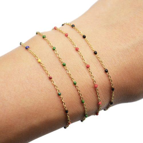 Bracelet-Fine-Chaine-Acier-Dore-avec-Mini-Perles-Email-Couleur